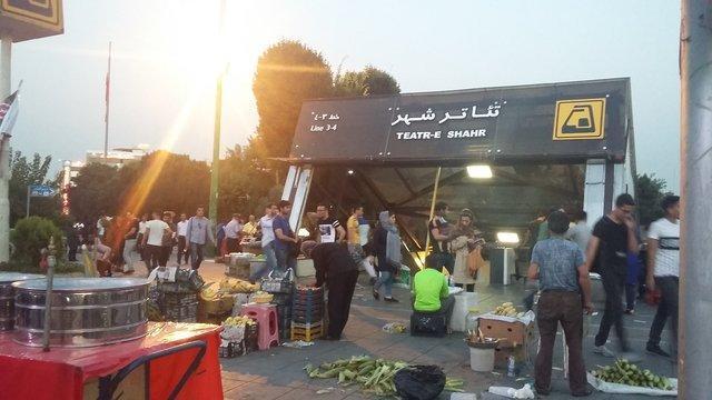 انتقاد از هرج و مرج اطراف تئاتر شهر