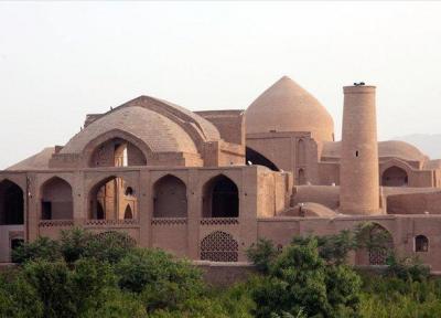 شروع عملیات مبارزه بیولوژیک با موریانه در مسجد جامع اردستان
