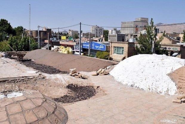 مرمت برج و باروی شهر بسطام و سبک سازی بام مسجد ایلخانی انجام شد