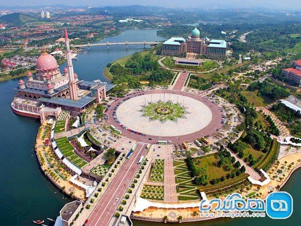 شهر زیبای پوتراجایا در کشور مالزی ، یکی از قطب های گردشگری قاره آسیا
