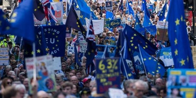تظاهرات ده ها هزار مخالف اجرای برگزیت در انگلیس