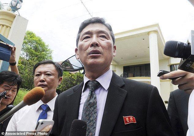 ورود هیات کره شمالی به مالزی برای تحویل دریافت جسد برادر کیم جونگ اون