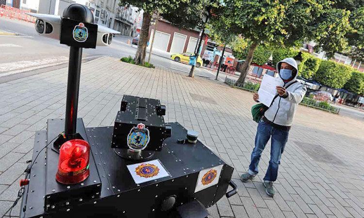 یاری پلیس آهنی به مهار کرونا در تونس ، روبوکاپ واقعی را ببینید