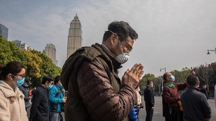 فیلم، سکوت و به صدا در آمدن آژیرها به یادبود قربانیان کرونا در چین