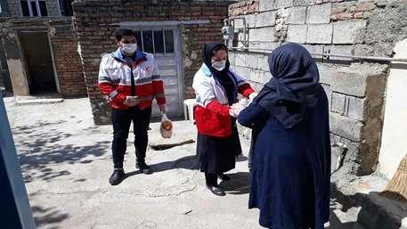 توزیع بسته های بهداشتی میان بیماران خاص