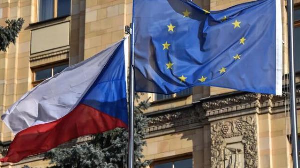 سنای جمهوری چک پایان پیمان دوستی با روسیه را خواهان شد