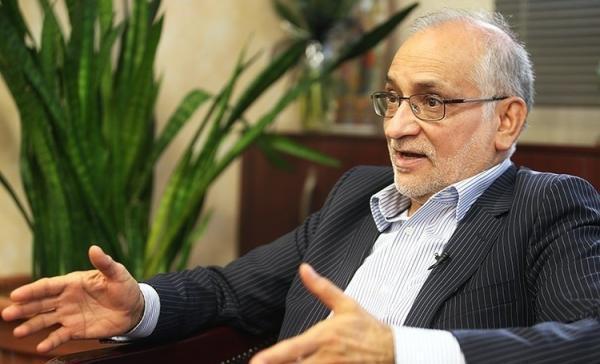 کنایه های صریح حسین مرعشی به شکایت مجلس از روحانی