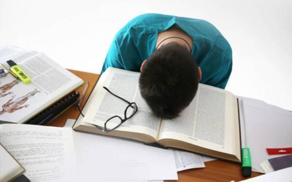 مقاله: تعبیر خواب آماده نبودن برای امتحان یا دیر رسیدن به امتحان چیست؟